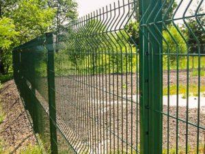 Как правильно выбрать сетку на забор